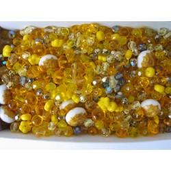 Mix různých perlí 250 g žlutá