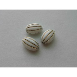 PRESSED BEAD OVAL 17/11 mm...